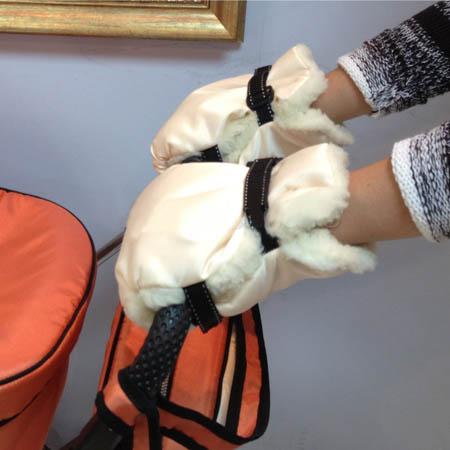 Рукавички для коляски сшить своими руками 38